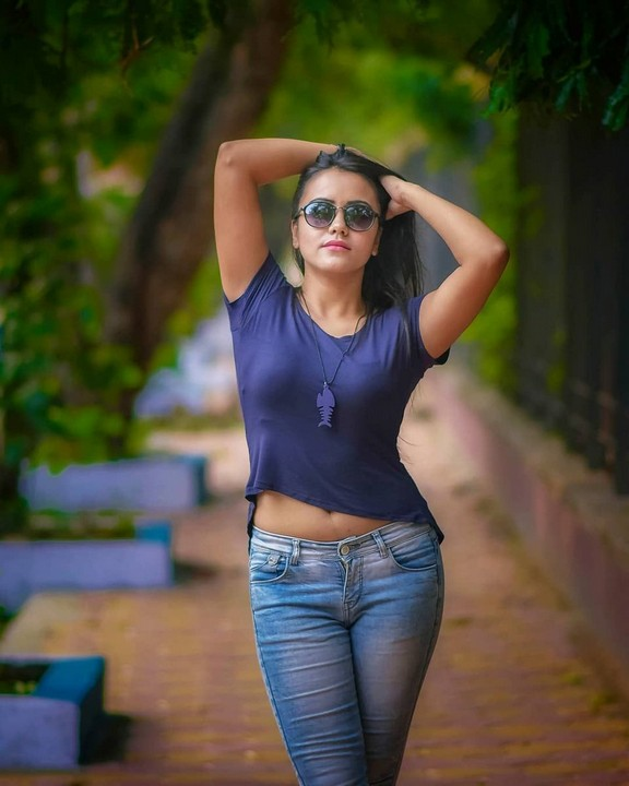 hot jeans pictures