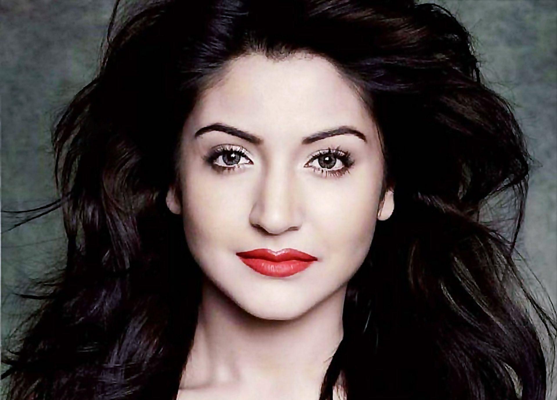 Anushka Sharma profile pictures