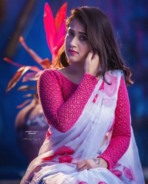 deepthi sunaina