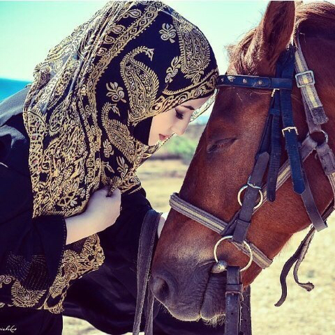 horse shoe single muslim girls Why do women wear nose rings but a simple nose pin with a single stone will also give you a great look muslim and some african cultures.
