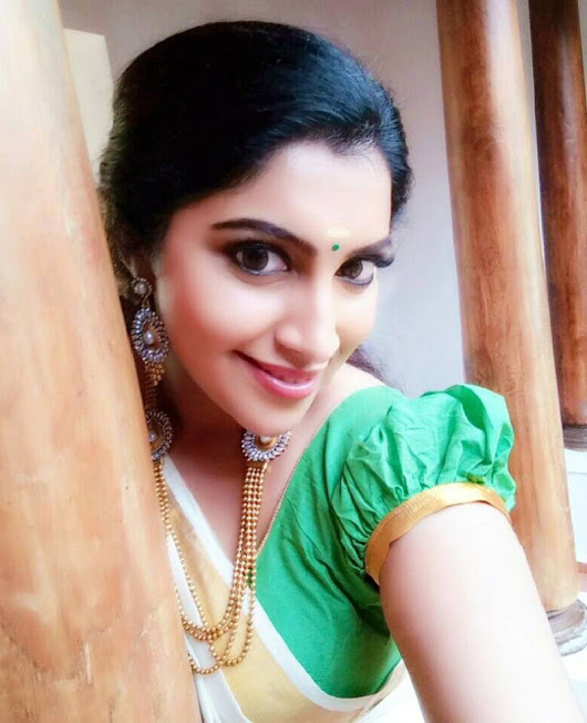 Saree profile pictures
